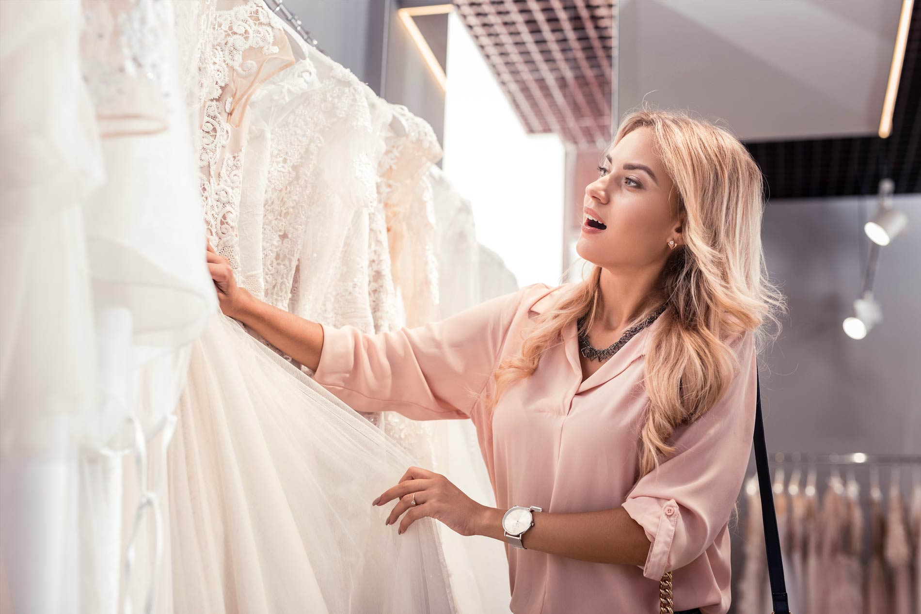 44c96e603d6 Die neusten und schönsten Brautkleider der Kollektionen 2019 sind da!